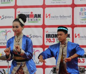 IMB15_Culture_Indo-Dance-at-Awards-Ceremony