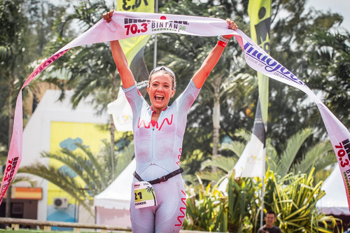 McKenzie 2018 IRONMAN 70.3 Bintan Female Champion
